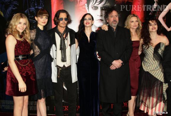 "L'équipe du film ""Dark Shadows"" autour de Tim Burton."