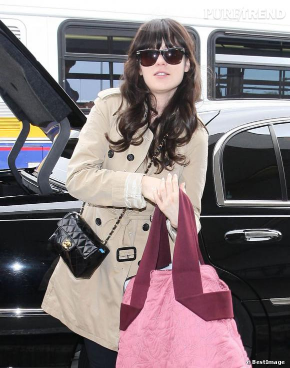 Zooey Deschanel à l'aéroport de Los Angeles.