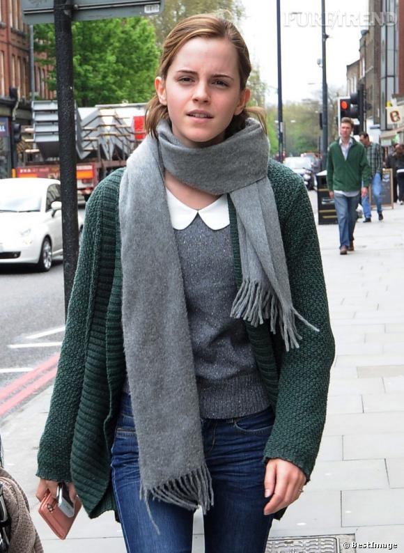 Emma Watson dans les rues de Londres.