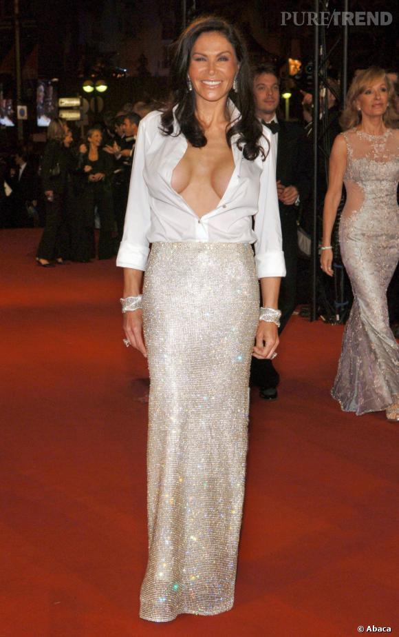 La femme d'affaires Mouna Ayoub a beau porter du Versace, ce n'est pas de très bon goût pour autant