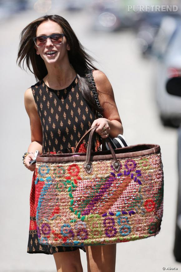 Jennifer Love Hewitt dans les rues de Los Angeles.