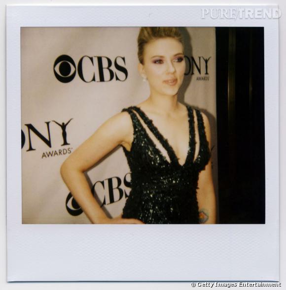 Scarlett Johansson à l'évènement 64th Annual Tony Awards au Radio City Music Hall à New York, le 13 juin 2012 photographiée par Jeremy Kost.