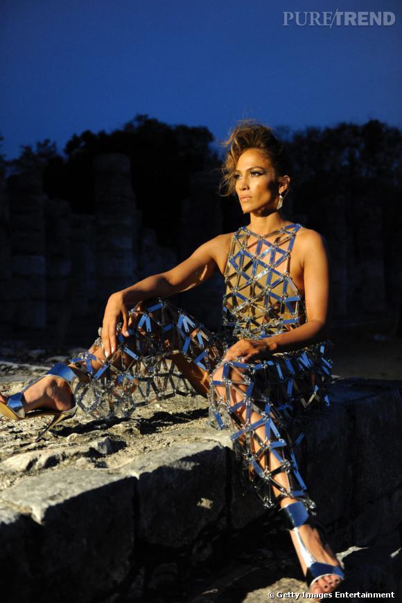 Jennifer Lopez élue personnalité la plus influente de 2012 par le magazine Forbes.