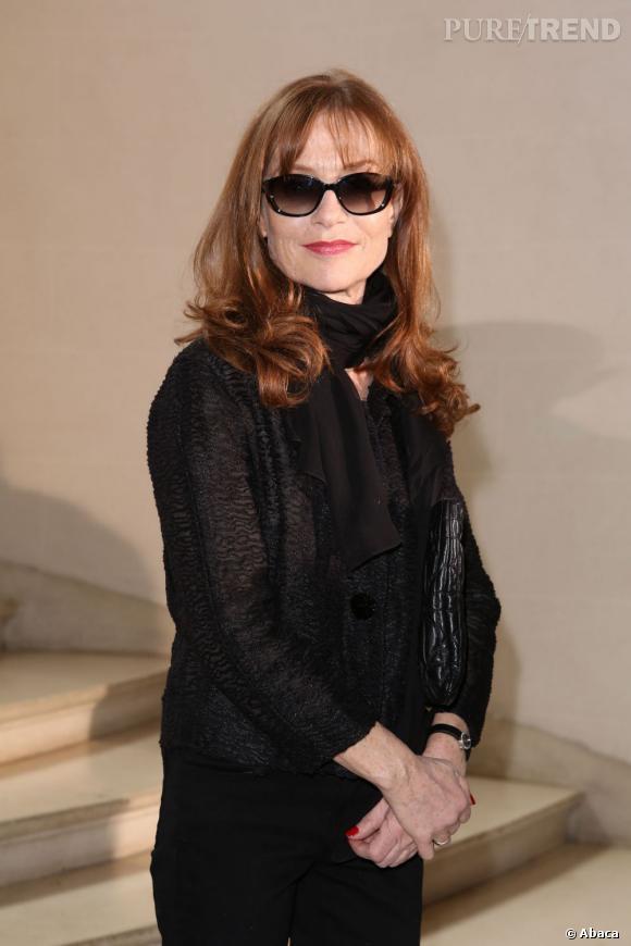 Isabelle Huppert so chic chez Dior.