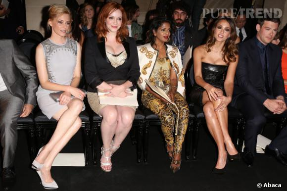 Parterre de stars chez Versace avec Elizabeth Banks, Christina Hendricks, MIA et Jessica Alba.