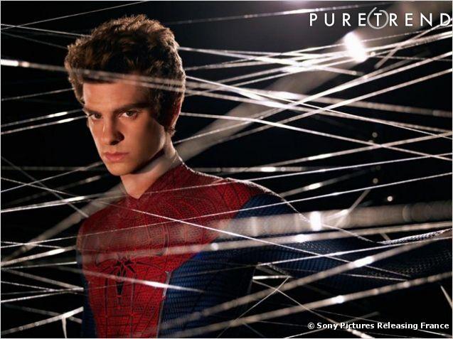 C'est à Andrew Garfield que revient la lourde tâche d'incarner Peter Parker. Plus sexy et plus drôle il colle plus au personnage crée en 1962.