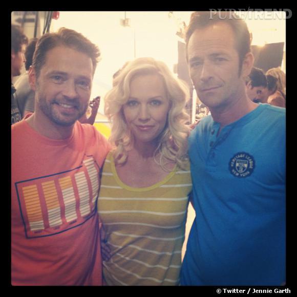 Jennie Garth, Jason Priestley et Luky Perry, une jolie réunion de famille.