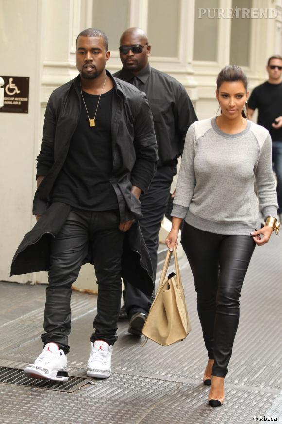Kim Kardashian met maintenant des pulls. DES PULLS !