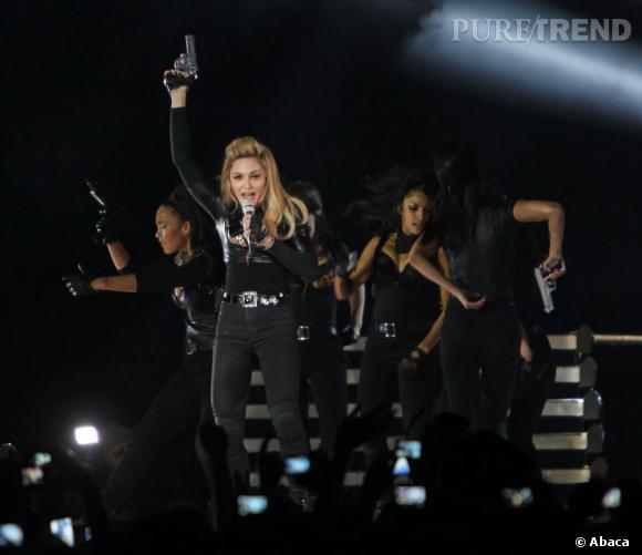 Comme un air de Marseillaise avec Madonna qui pointe une arme