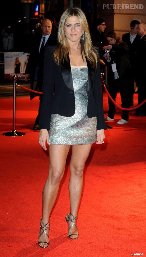 """Jennifer Aniston aurait dû jouer le rôle de Monica dans """"Friends""""... jusqu'au dernier moment le casting était bouclé. Finalement, Courteney Cox s'est imposée face aux scénaristes en leur prouvant que le personnage de Monica correspondait beaucoup plus à sa personnalité."""