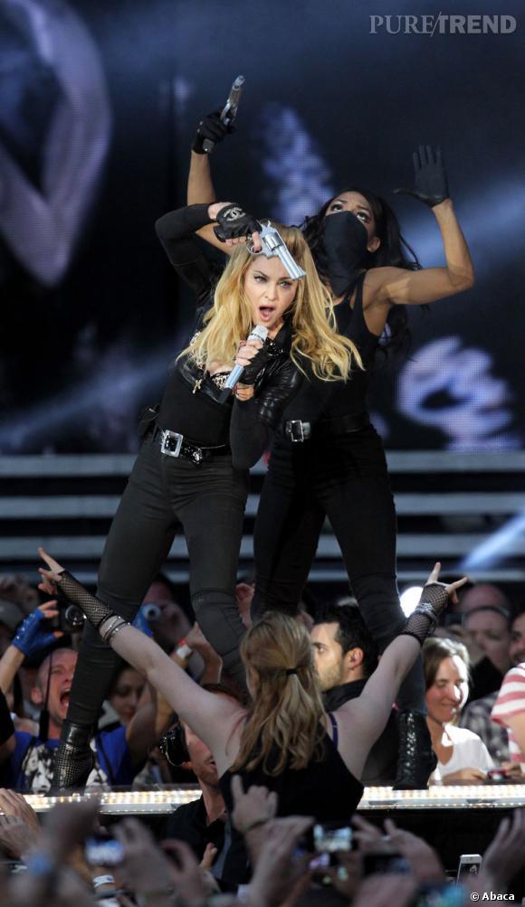 Madonna se prend pour une gangsta.