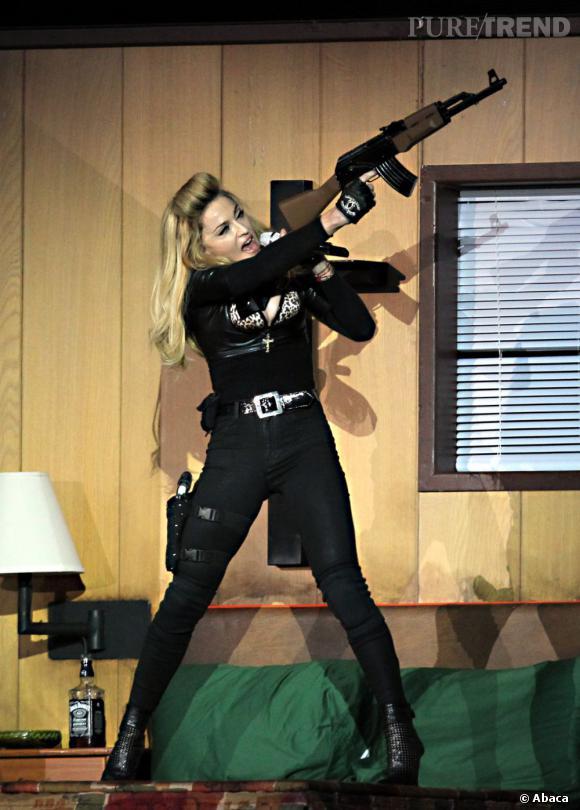 Madonna aime les armes ?
