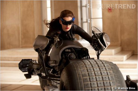 """Dans """"The Dark Knight Rises"""", Anne Hathaway joue Catwoman. Mais elle n'a pas toujours eu des rôles aussi sexy"""