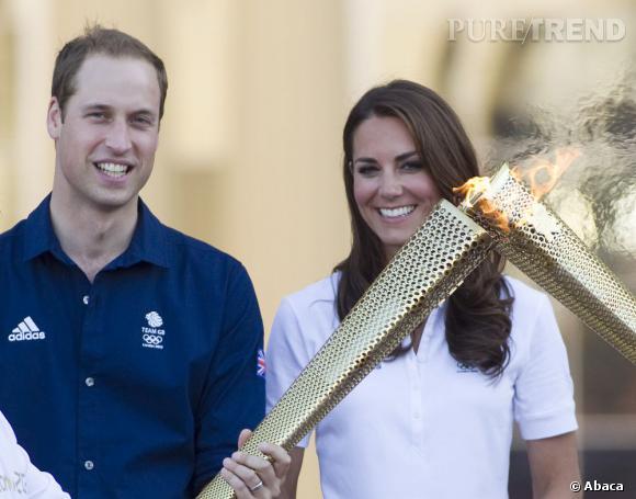 La flamme olympique brûle pour le Prince William et Kate Middleton à Londres.