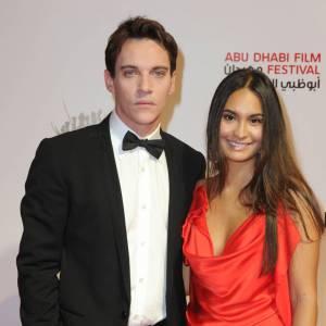 En 2010 : avant que Reena Hammer ne soit fiancée à Jonathan Rhys Meyers pendant plusieurs années, elle a fréquenté John Mayer.