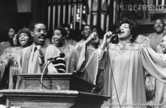 "Whitney Houston dans ""La femme du pasteur"" de 1997 avec Denzel Washington."