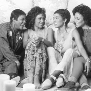 """Whitney Houston avec Angela Bassett dans """"Où sont les hommes ? """""""