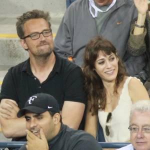En couple depuis plus de 3 ans, Lizzy Caplan file le parfait amour avec Matthew Perry