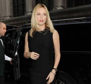 Charlize Theron vs Rachel Weisz : la robe moulante débardeur Lanvin