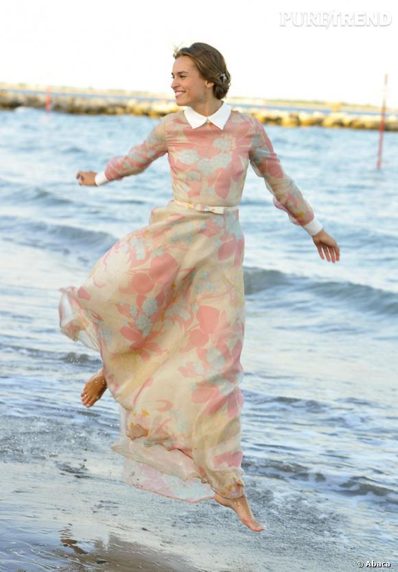 L'actrice polonaise Kasia Smutniak illumine le Festival de Venise