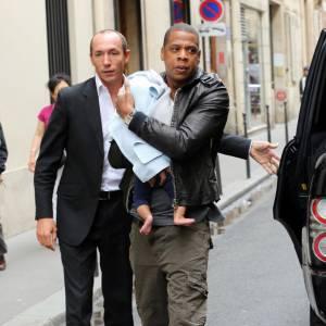 Jay-Z suit la tendance et joue les papas stylés.