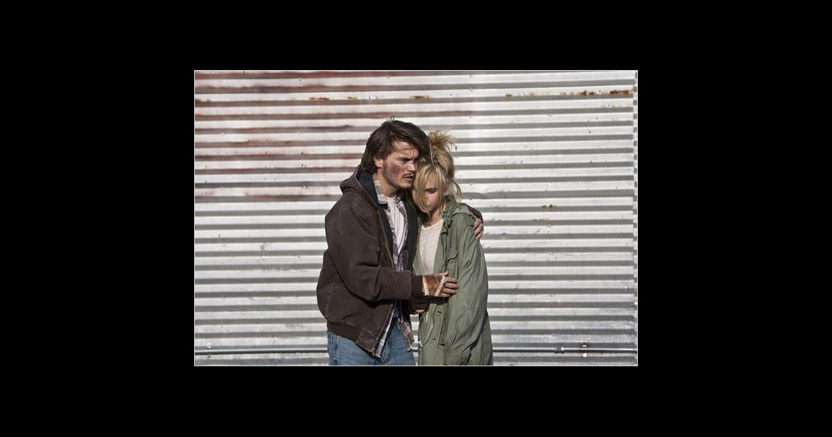 juno temple dating emile hirsch Juno temple is rumored to have hooked up with emile hirsch in nov 2010 about juno temple is a 28 year old british actress born juno violet temple on 21st july, 1989.