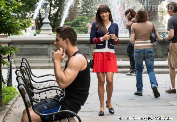 Très sage avec ses mocassins et son serre-tête, Rachel Berry va devoir prouver qu'elle peut aussi être sexy et pour cela elle demande de l'aide à un nouveau personnage, Brody.