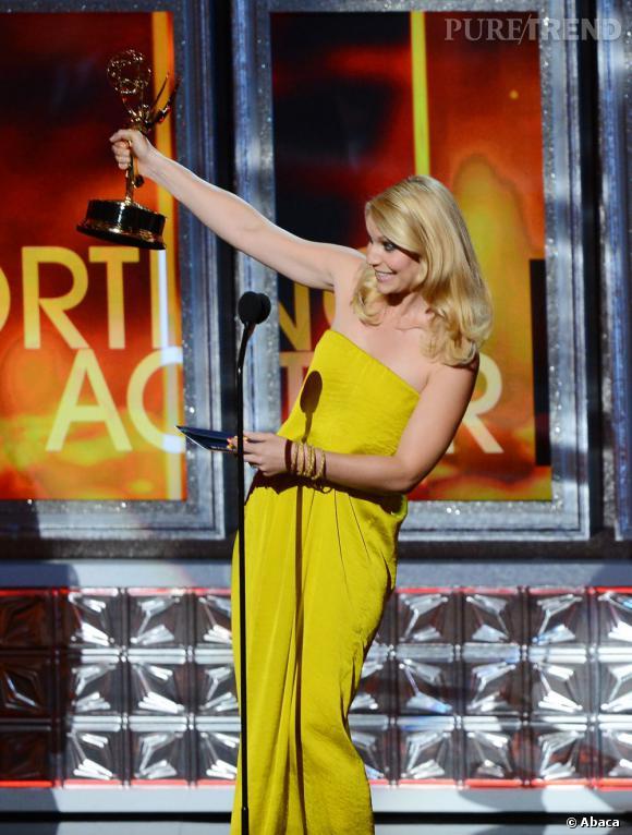 Claire Danes remporte le prix de la meilleure actrice dans une série dramatique.