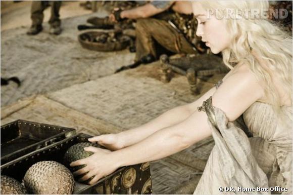 "Emilia Clarke aka Daenerys Targaryen est la maîtresse des dragons dans la série ""Game of Thrones""."