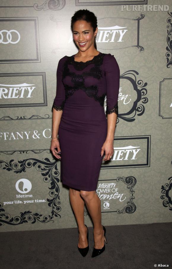 """Paula Patton, vue dans """"Mission Impossible : Protocole Fantôme"""", choisit une robe aubergine..."""