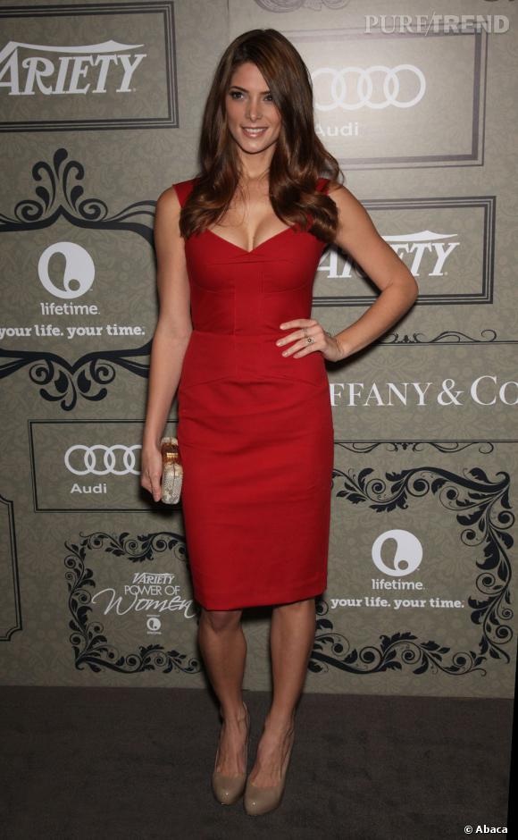 Ashley Greene a également fait monter la température avec une robe Roland Mouret très sexy.