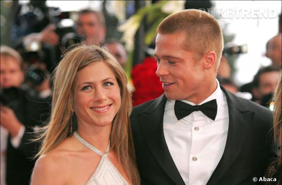 Jennifer Aniston a demandé le divorce après les rumeurs de tromperie de la part de Brad Pitt, tombé amoureux d'Angelina Jolie. Cette dernière a toujours nié avoir eu une relation avec l'acteur avant son divorce, le mal était fait.