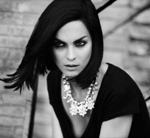Leigh Lezark : égérie glamour pour Stradivarius