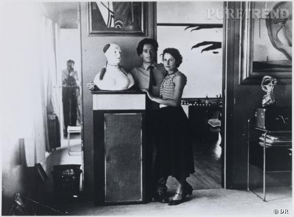 Brassai Dali et Gala dans son appartement de Paris 1932. Droits d'image de Gala et Salvador Dali reserves Fundactio Gala Salavador Dali Figueres 2012.