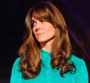 Kate Middleton change de coupe : un faux air de Farrah Fawcett !