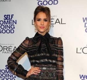 Jessica Alba vs Edie Campbell : la robe en dentelle Valentino