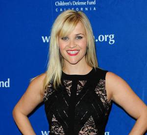 Reese Witherspoon : eblouissante seulement 10 semaines apres son accouchement