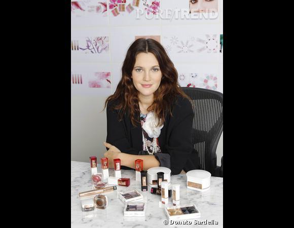 Drew Barrymore dévoile sa marque de maquillage, Flower.