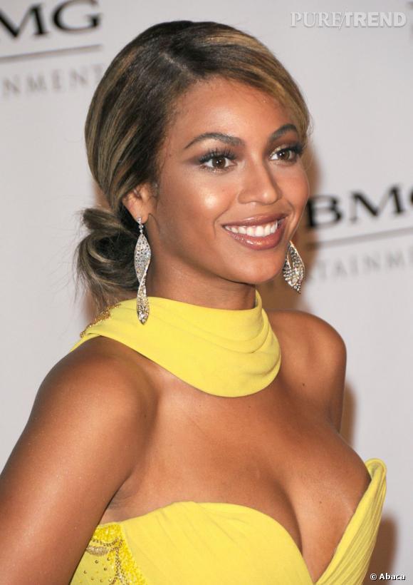 Chignon bas et sage, Beyoncé prouve qu'elle a tout d'une grande.