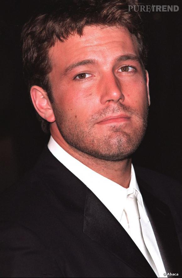 Ben Affleck en 2001 : L'acteur a oublié de se raser et à fait l'impasse sur le coiffage.