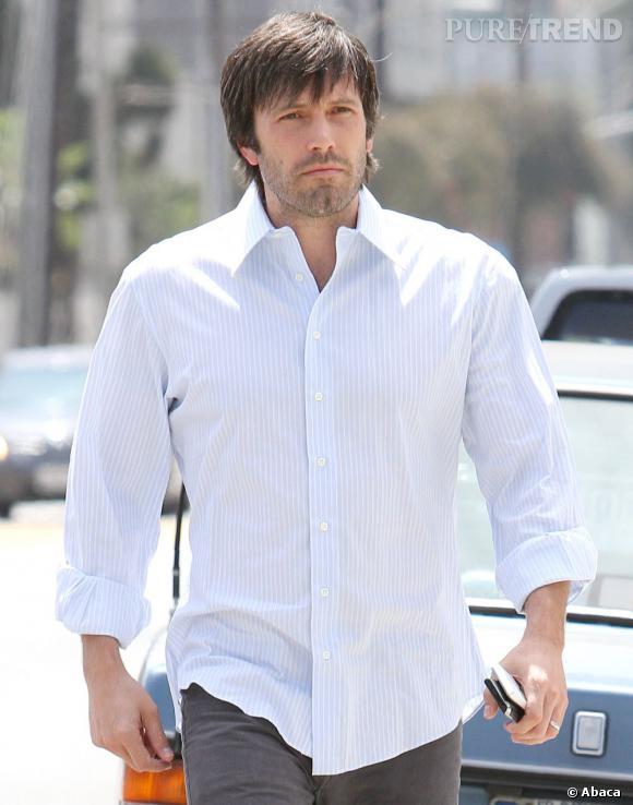 """L'évolution capillaire de Ben Affleck : En 2011, l'acteur est en plein tournage d'""""Argo"""". Sa coiffure s'en ressent et prend un virage 70's. Bien sûr, c'est moche, mais c'est pour le travail."""