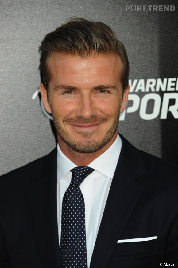 Les secrets beauté des mâles d'Hollywood Très soigneux de sa personne, David Beckham hydrate sa peau matin et soir, avec un soin contour des yeux en prime avant le coucher. Et chaque semaine, c'est autobronzant obligatoire.
