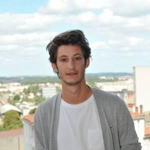 Pierre Niney bientôt dans la peau d'Yves Saint Laurent au cinéma.