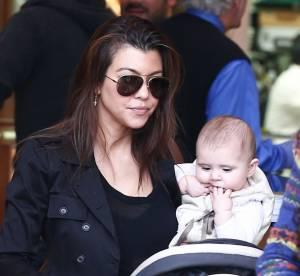 Kourtney Kardashian et son bebe : la petite Penelope fait ses 1er pas a la tele !