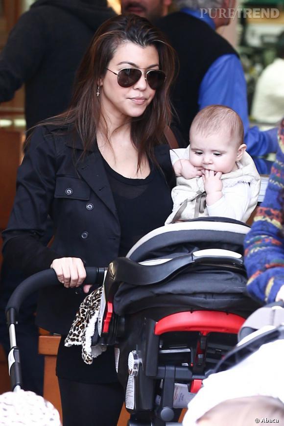 Kourtney Kardashian nous présente un nouveau membre du clan et donc de la télé-réalité : Penelope !