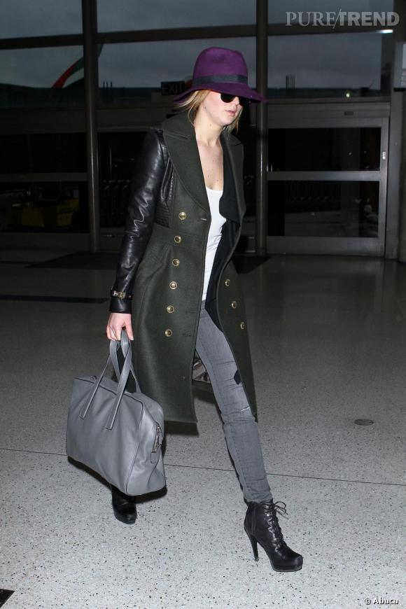 Jennifer Lawrence a l'aéroport de Los Angeles le 7 fevrier 2013.