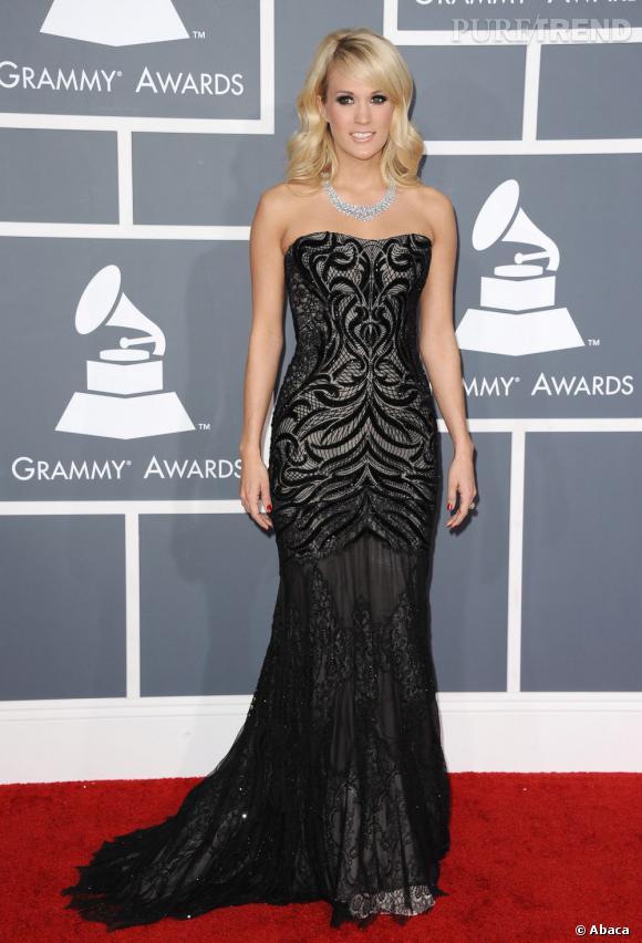Les bonnes élèves    des Grammy Awards 2013   : Carrie Underwood joue la carte du glamour hollywoodien.