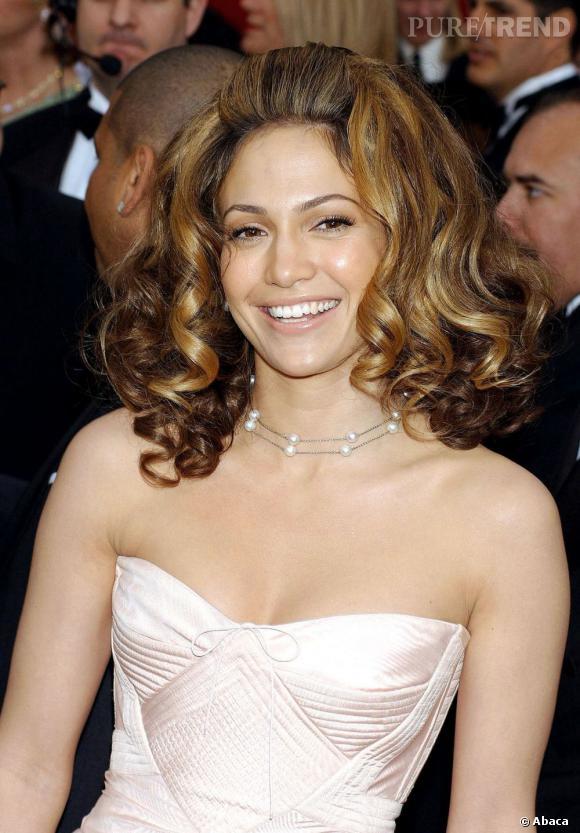 Le pire et le meilleur des Oscars Jennifer Lopez voulait un carré frisé et glamour, elle se retrouve avec un brushing façon caniche.