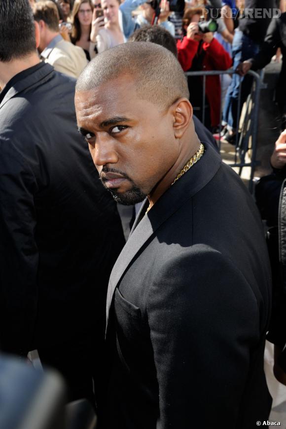 Kanye West passe tout le monde au crible pendant son concert à Londres.