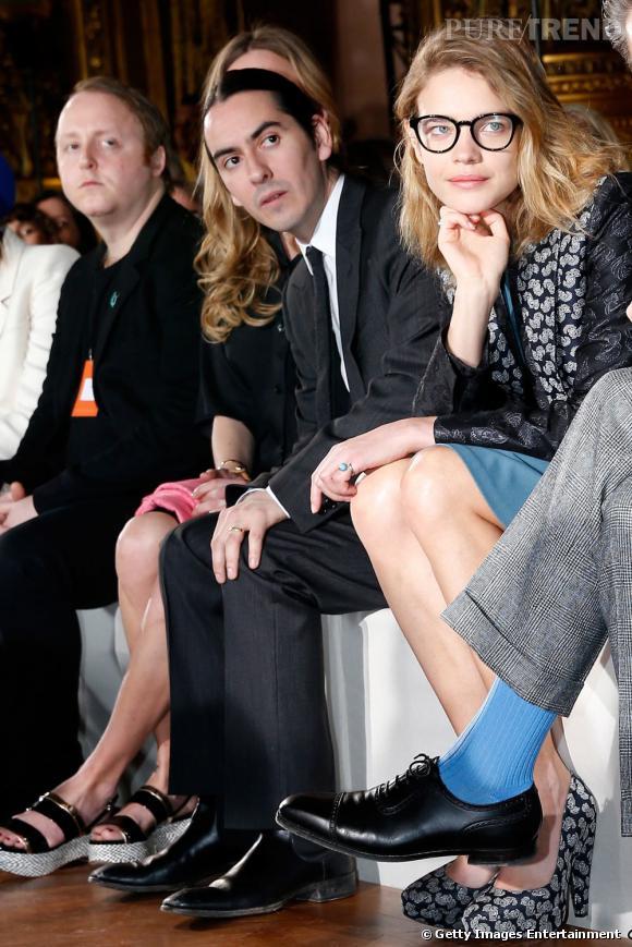 Natalia Vodianova en front row du défilé Stella McCartney à Paris.